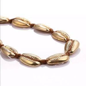 Jewelry - New Trendy Style✨ Gold Cowrie Shell Choker 😍